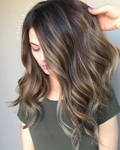These Beautiful Brown Hair Color With Highlights You'll Want To Try Brunette Hair Color, Brown Ombre Hair, Light Brown Hair, Ombre Hair Color, Hair Color Balayage, Hair Color And Cut, Brown Hair Colors, Brunette Color, Brunette Ombre, Long Brunette