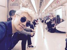 BIGBANG Members Spotted Taking Public Transportation