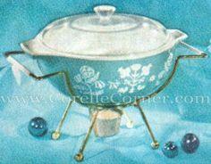 Pyrex 443, Needlepoint Cinderella bowl