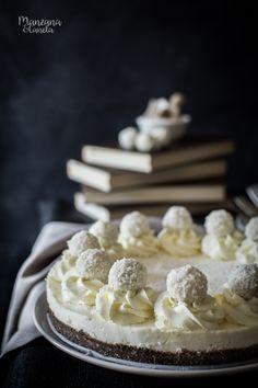 No bake coconut cheesecake Coconut Cheesecake, Cheesecake Cake, Sugar Cravings, Dessert Recipes, Desserts, Macaroons, Cupcake Cakes, Cupcakes, Cheesecakes