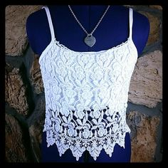 $4HOT SALEHP6/4/16 Lace white cami -s xxs Cute white lace cami! Perfect for the hot spring & summer season. Tops Camisoles