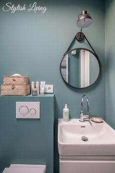 bathroom or shower Badezimmer türkis mit click-licht