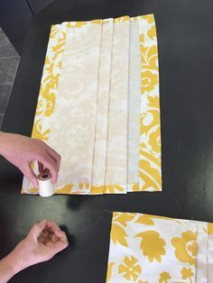 window dressing Faux Roman Shade ohne Hardware, Command Sticky Strips Acid Reflux Acid reflux is mad Faux Blinds, Diy Blinds, Diy Curtains, Roman Blinds, Curtains With Blinds, Bathroom Window Curtains, Gypsy Curtains, Orange Curtains, Window Valances