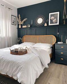 Dark Blue Bedrooms, Bedroom Green, Room Ideas Bedroom, Small Room Bedroom, Home Decor Bedroom, Small Rooms, Dark Bedroom Walls, Dark Master Bedroom, Blue Bedroom Colors