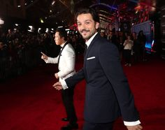 Diego Luna Brings Ex-Wife and Kids to the Rogue One Premiere | POPSUGAR Latina