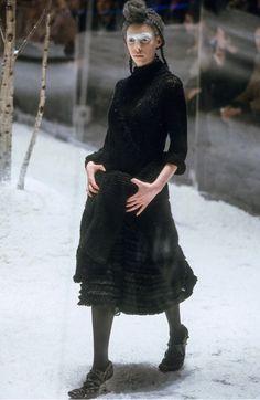 Alexander McQueen Fall 1999 Ready-to-Wear Fashion Show
