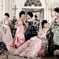 Curated by none other than former Vogue editor-at-large André Leon Talley, this month marks the opening of the world premiere retrospective of Oscar de la Renta's workat San Francisco's De Young M...