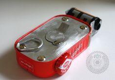 DIY sardine can pinhole camera Old Cameras, Vintage Cameras, Photography Lessons, Photography Camera, Creative Photography, Camera Gear, Film Camera, Pinhole Camera Photos, Pinhole Camera