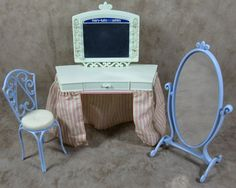 Mary Kate & Ashley Olsen Twins Green Dressing Table Blue Mirror & Stool…
