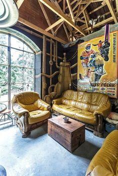 living in barn Arch Interior, Nautilus, Firewood, My House, Graffiti, Steampunk, Barn, Home, Decor