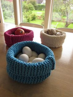 Free knitting pattern for basket and more household knitting patterns