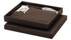 Set #Balmain de regalo con un #Bolígrafo recubierto de piel y #llavero y #cartera símil piel para #regalos de empresa o #merchandising. Más información sobre el regalo en: http://www.regalodeempresagsr98.es/regalos-merchandising/escritura-escritorio-982150/