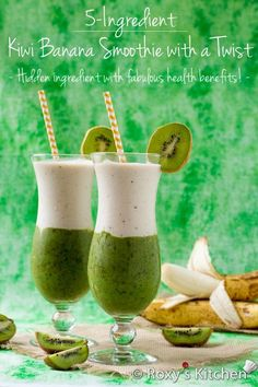 Kiwi Banana Smoothie with a Twist. Kiwi Banana Smoothie with a Twist- This smoothie is perfect for a hot summer day! Super refreshing healthy & looks amazing! Kiwi Smoothie, Best Smoothie, Yummy Smoothies, Smoothie Drinks, Detox Drinks, Smoothie Recipes, Detox Smoothies, Detox Juices, Juicer Recipes