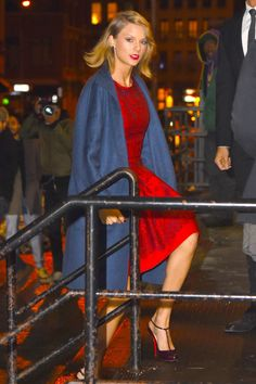 Here's How Taylor Swift Dresses for Date Night