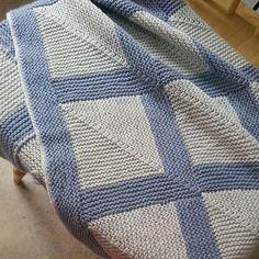 Mitered blanket Easy Blanket Knitting Patterns, Knitted Afghans, Knitted Blankets, Knit Patterns, Manta Crochet, Knit Or Crochet, Arm Knitting, Knitting Stitches, Ideias Diy