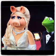 Kermit and Miss Piggy practicing their Red Carpet walk