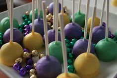 Share Dessert: Laissez Les Bon Temps Rouler! Mardi Gras Cake Pops!