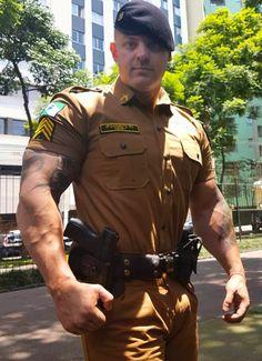 Cop Uniform, Men In Uniform, Hot Cops, Military Women, Hot Hunks, Muscular Men, Raining Men, Male Beauty, Beautiful Men