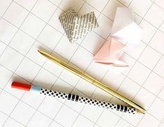 Geschenkidee: In unserem Do-it-yourself-Video zeigen wir euch in ausführlichen Schritten, wie ihr ein Origami Herz ganz einfach selber basteln könnt.