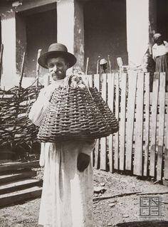 Fruit salesman Carpathian Ruthenia, 1927    Sergej Protopopov