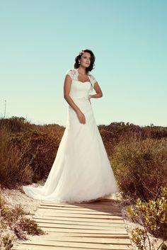 "Brautkleid Malta aus der Marylise Brautmoden Kollektion 2015 :: bridal dress from the 2015 Marylise collection ""Les nouvelles femmes"" by Misolas"