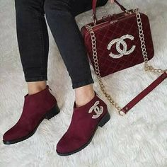 Nadire Atas on Matching Shoes and Bags CHANEL.chaussures et sac Bordeaux. Chanel Handbags, Fashion Handbags, Fashion Bags, Fashion Shoes, Shoe Boots, Shoes Sandals, Shoe Bag, Cute Shoes, Me Too Shoes