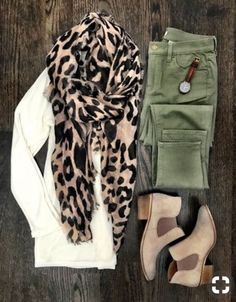 44 Casual Fall Outfits To Copy This Year – FriendWishes 22 fashion – Fashions Look Fashion, Fashion Outfits, Womens Fashion, Fashion Scarves, Fall Fashion, Trendy Fashion, High Fashion, Fall Winter Outfits, Autumn Winter Fashion