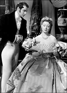 """Darcy (Laurence Olivier): """"I have made the mistake of being honest with you."""" // Elizabeth Bennet (Greer Garson): """"Honesty is a greatly overrated virtue."""" -- from Pride and Prejudice directed by Robert Z. Golden Age Of Hollywood, Vintage Hollywood, Classic Hollywood, Classic Actresses, Classic Movies, Actors & Actresses, Jane Austen Movies, Greer Garson, Pride And Prejudice"""