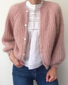 🔁 Lille My Cardigan on the picture is knitted in three strands of mohair cora. 🔁 Lille My Cardigan on the picture is knitted in three strands of mohair coral from Angel by permin, Rose from mohair by. Mohair Cardigan, Angora Sweater, Pink Sweater, How To Start Knitting, Knitwear Fashion, Look Vintage, Cotton Fleece, Cardigan Pattern, Piece Of Clothing