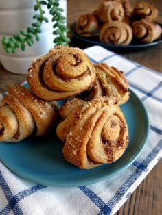 """Cinnamon rolls with a hint of cardamom in a pretty """"slapped ear"""" shape. Sweet Recipes, Healthy Recipes, Dry Yeast, Cinnamon Rolls, Breakfast Recipes, Food And Drink, Favorite Recipes, Sweets, Finland"""