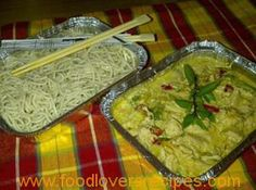 Thai green curry with noodles Green Curry, Afrikaans, Guacamole, Noodles, Cooking Recipes, Lovers, Chicken, Ethnic Recipes, Food