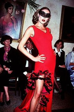 1995-96 - John Galliano show - Carla Bruni