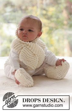 Set med halsduk och sockor i rätstickat till baby och barn med DROPS Eskimo.