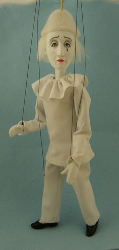 marionette Commedia dell'arte Pierrot.  via Etsy.