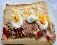 el mejor bocadillo de atún y pimientos Tacos, Tostadas, Pizza Sandwich, Recipes From Heaven, Empanadas, Cheesesteak, Catering, Food Porn, Brunch