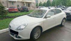 Вот такой эксклюзив встречается в нашей практике.. Alfa Romeo Giulietta c автобагажником Whispbar.