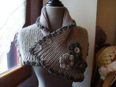 b3958e5818a5 Cache-cou en laine - Cache-épaule - Col - Snood tricoté en côtes - Écharpe  avec fleurs au crochet avec des boutons - Tons gris