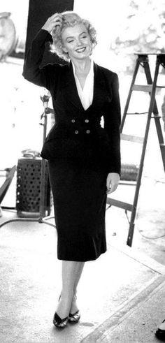 """Marilyn Monroe In A Wardrobe Test For The Film """"NIAGARA."""""""