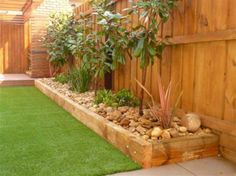Simple and easy backyard landscaping ideas 35