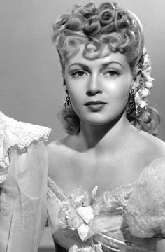 "Lana Turner (b. 1921 - d. Actress who starred in movies, such as ""The Postman Always Rings and ""Imitation Of Old Hollywood Stars, Hollywood Icons, Old Hollywood Glamour, Golden Age Of Hollywood, Hollywood Actresses, Classic Hollywood, Vintage Hollywood, Black Women Hairstyles, Vintage Hairstyles"