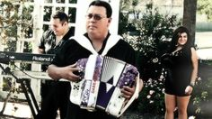 Jimmy Gonzalez Y Grupo Mazz featuring Elida Reyna and David Lee Garza-Quiero Volar