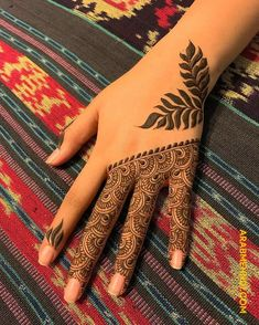 50 Most beautiful Professional Mehndi Design (Professional Henna Design) that you can apply on your Beautiful Hands and Body in daily life. Pretty Henna Designs, Modern Henna Designs, Indian Henna Designs, Floral Henna Designs, Finger Henna Designs, Back Hand Mehndi Designs, Latest Bridal Mehndi Designs, Mehndi Designs For Girls, Mehndi Designs For Beginners