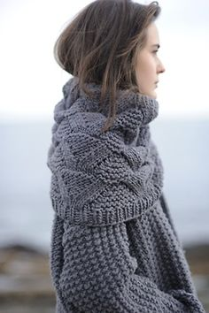 State Street Cowl pattern by Pam Allen (knitting, infinity scarf, scarves, lace… Knitting Projects, Knitting Patterns, Stitch Patterns, Look Fashion, Autumn Fashion, Grey Fashion, Fashion 2014, Handgestrickte Pullover, Knitted Coat