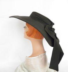 Vintage 1940s Beach Hat Navy Blue Scallop Edge Saks Fifth Avenue Bonnet 23