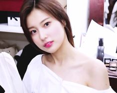 Kpop Girl Groups, Kpop Girls, Yuri, Yoon Sun Young, Eyes On Me, Pink Snake, Japanese Girl Group, Korean Actresses, The Wiz