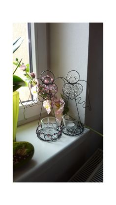 andělky-svícen Burlap Christmas, Wire Art, Glass Vase, Diys, Angels, Home Decor, Crafts, Iron, Wire