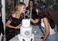 Nickelodeon Girls, Jenna Ortega, Girl Friendship, Teen Actresses, Just Jared, Dove Cameron, Disney Girls, Pretty Girls, Kylie