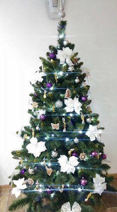 Děkujeme naši spokojené zákaznici za úžasnou fotku našeho stromečku 😍  Chceš ho mít? 🌲😍 Zde: www.mujstromecek.cz  #vanoce #ceskarepublika #vanocnistromek #vanocnistromecek #vanocnistrom #vánočnístromeček #kup #czechrepublic #ostrava Christmas Tree, Holiday Decor, Home Decor, Trees, Teal Christmas Tree, Homemade Home Decor, Xmas Trees, Interior Design, Christmas Trees