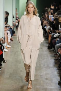 See the complete Tibi Spring 2016 Ready-to-Wear collection.