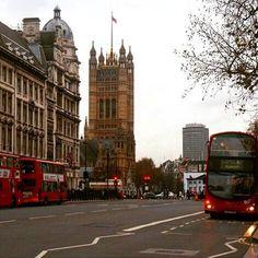 #london #GB #UK #towerhill #londonstreetart #victorian #architecture #stylish #fashion #beautiful #holiday #weekend #vacation #londonbus #travel #voyage #picnic #fun #sightseeing #ilovelondon #thisislondon by gebril1